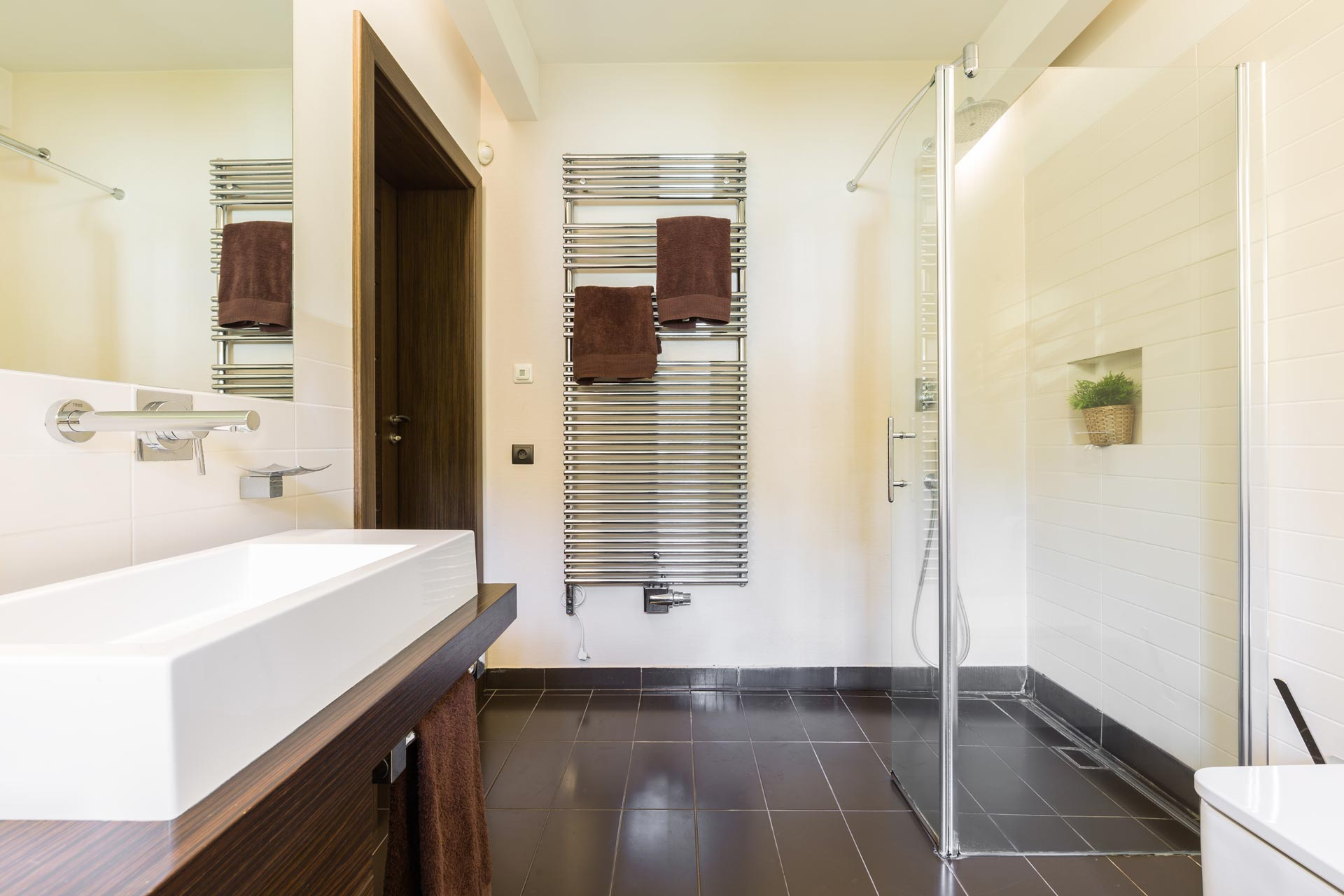 Benefits of Installing a Glass Shower